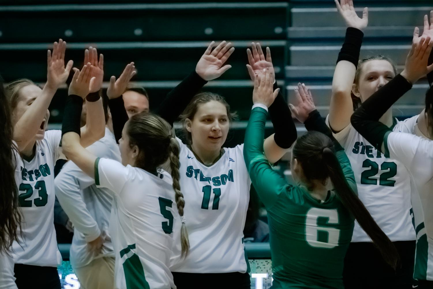 Hatter Volleyball Team Continues Winning Streak